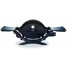 Plynový gril Weber Q1200 černý black line s postranními poličkami